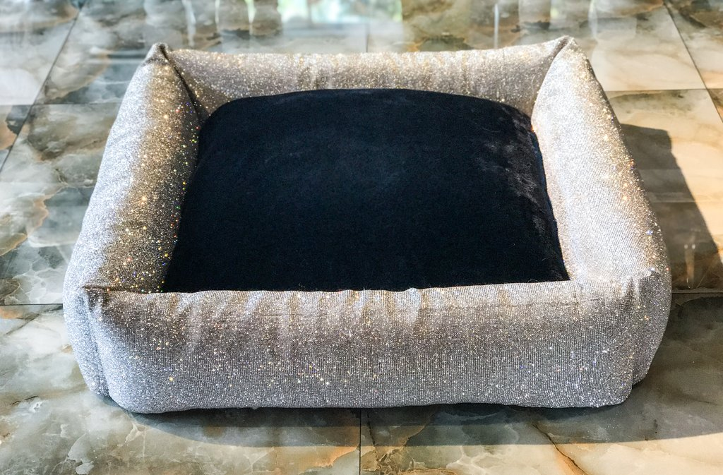 Hello Doggie Large Imperial Crystal Bed